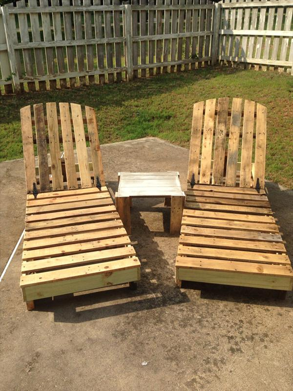 diy-pallet-outdoor-lounge-chairs